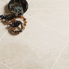 IS Olympus Creme Tumbled Marble 10 x 10cm