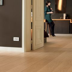 Quick-Step Largo Natural Varnished Oak Planks
