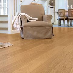 Quick-Step Perspective Natural Varnished Oak Planks
