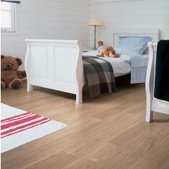 Quick-Step Eligna White Varnished Oak Planks